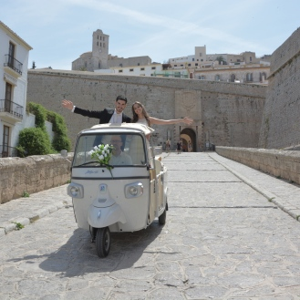 FotoCalessino transporte novios Ibiza7