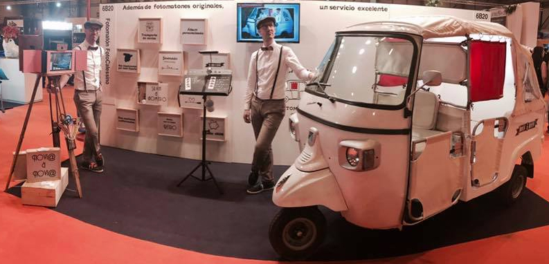 fotomaton foto calessino en IFEMA Madrid 1001 bodas gemelos motocarro retro